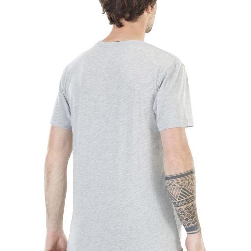 T-shirt fabriqué avec du coton biologique