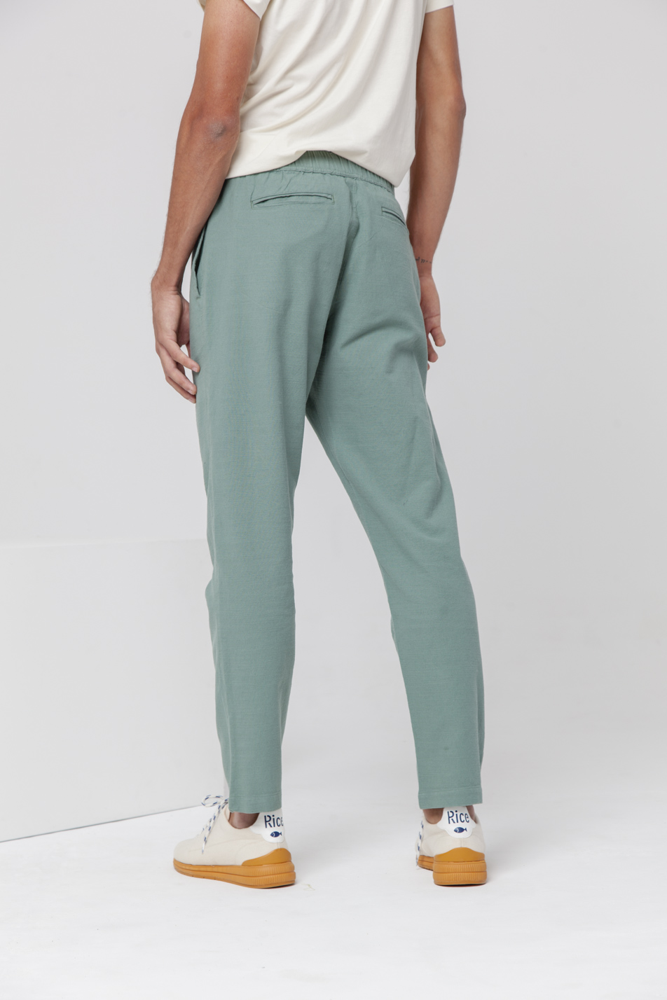 magasin en ligne def67 cf728 Pantalon coton bio THINKING MU Travel vert