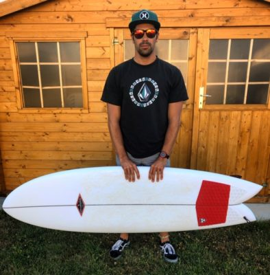IMG 0147 394x400 - Rencontre avec Damien Masurel le surfeur des Sables