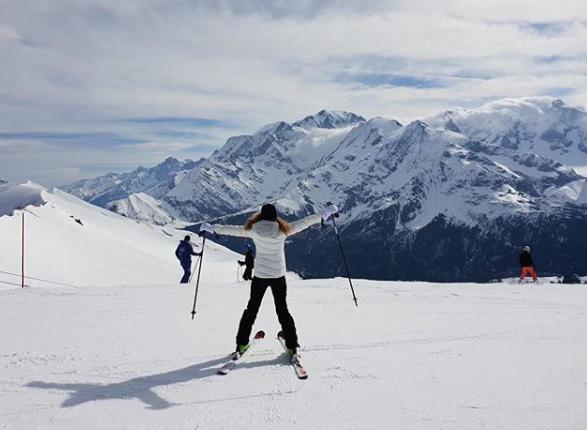 cyrielle au ski - Rencontre avec Cyrielle Hariel, la journaliste au coeur Green.