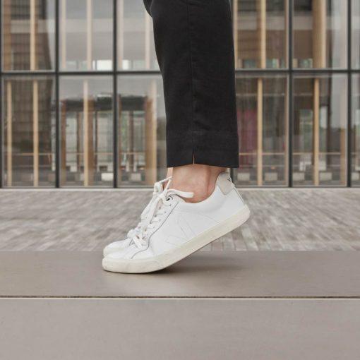 chaussures veja cuir blanc