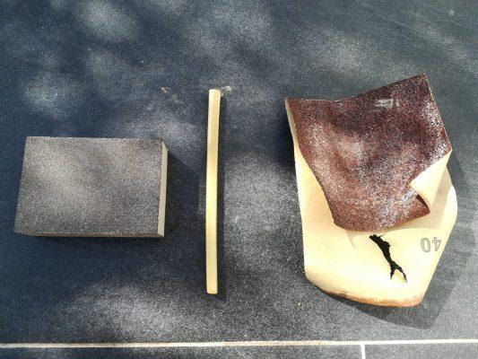 le matériel nécessaire pour poncer une paille en bambou