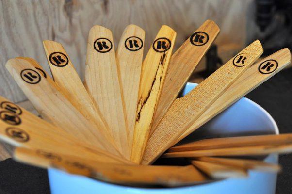 spatules de cuisine en bois